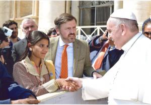 Eisham Ashiq, fille d'Asia Bibi, 15 avril 2015 @ L'Osservatore Romano
