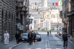 Pèlerinage via del Corso à l'église San Marcellino © Vatican Media